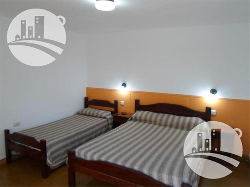 hotel 19 hab. 1*