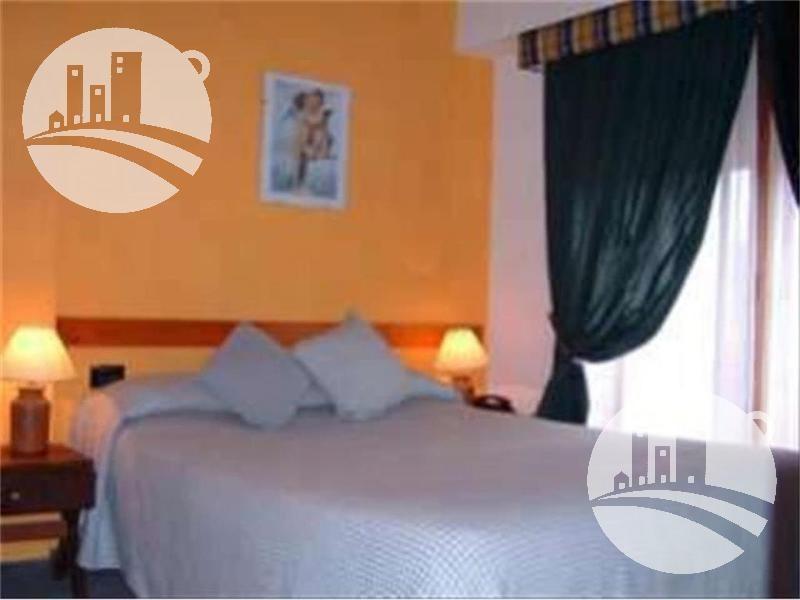 hotel 25 hab. 3*