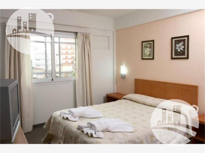 hotel 26 hab. 3*
