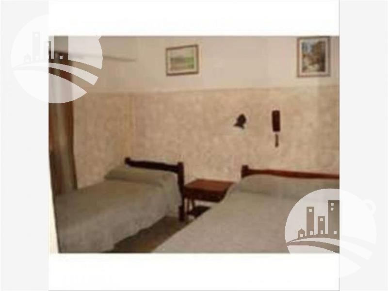 hotel 32 hab. 2*
