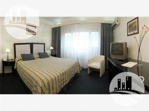 hotel 32 hab. 3*