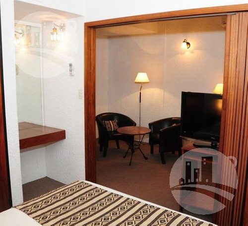 hotel 51 hab. 3*