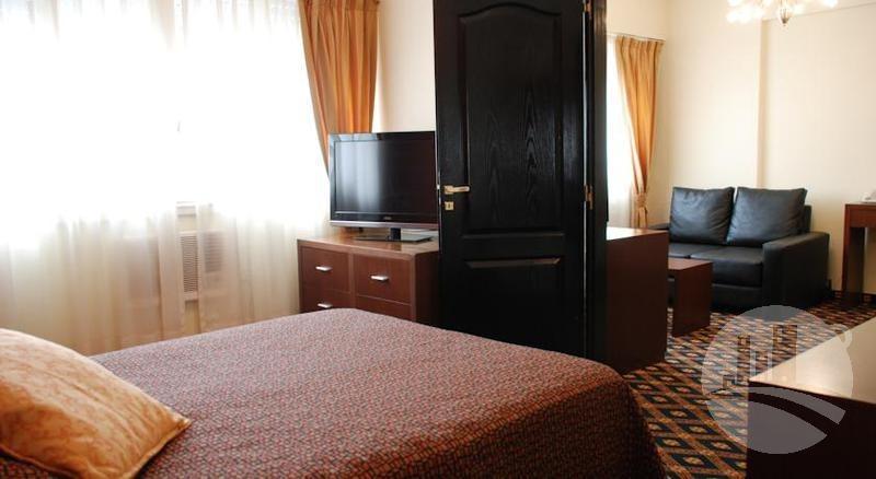 hotel 77 hab. 4*