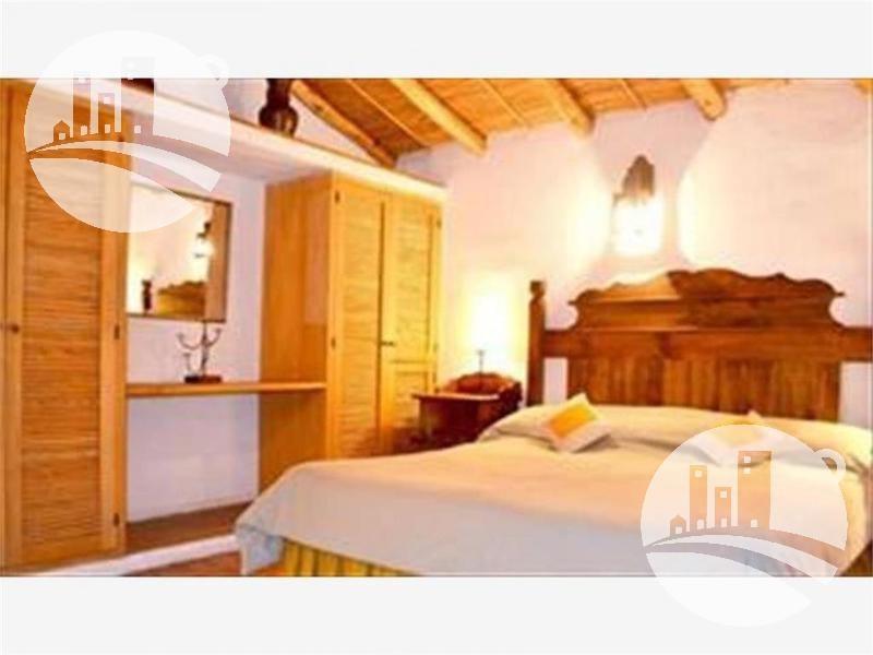 hotel 8 hab. 3*