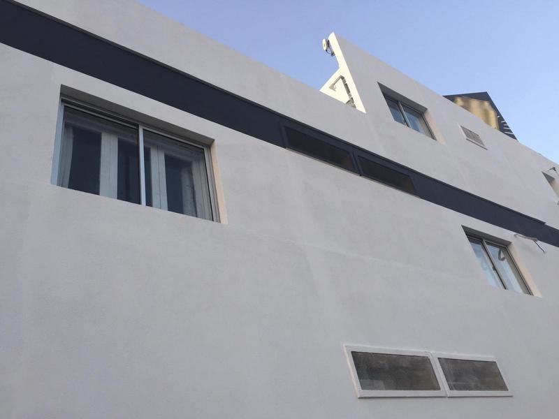 hotel a la venta a metros del puerto de colonia - colonia del sacramento, uruguay