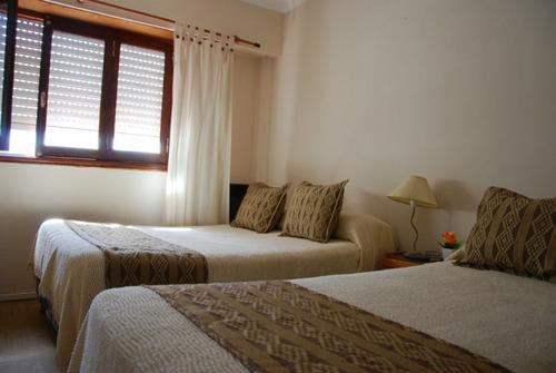 hotel ambiente familiar en un punto medio de la ciudad