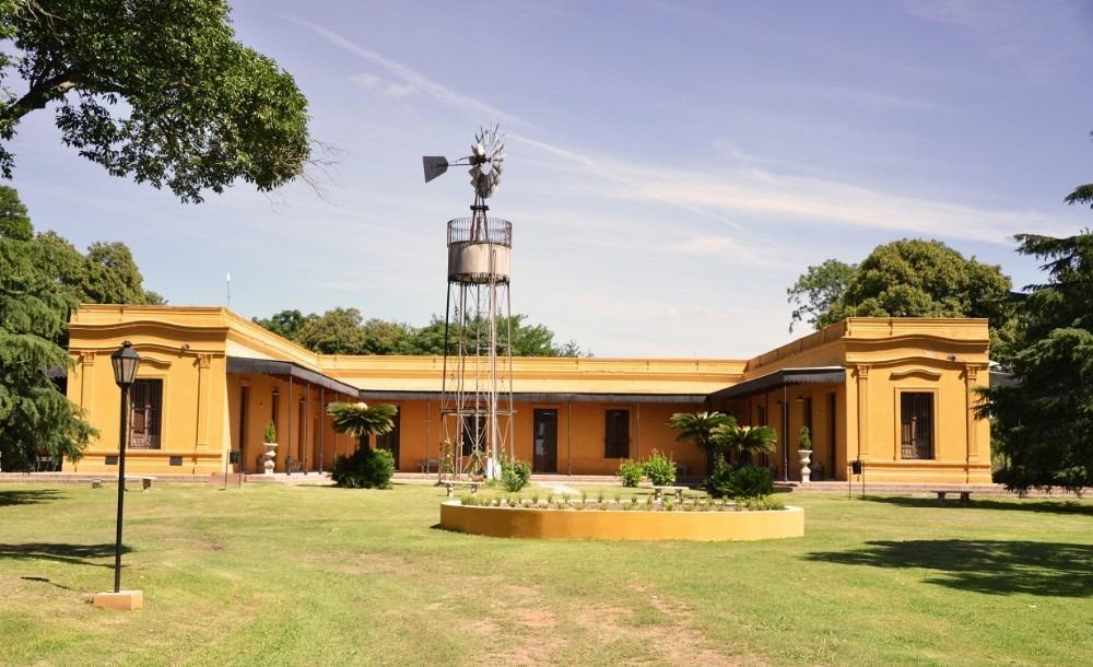 hotel de campo , restaurante y salon de eventos