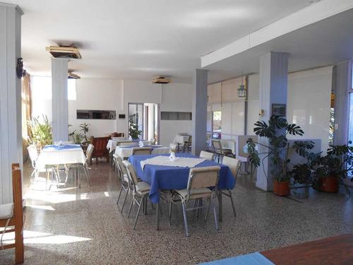 hotel en alquiler anual sobre av. principal en villa carlos paz