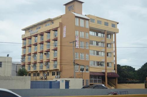 hotel en el mismo centro de santo domingo, con excelente ubi