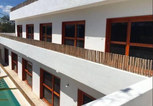 !hotel en mahahual a dos cuadras de la playa!