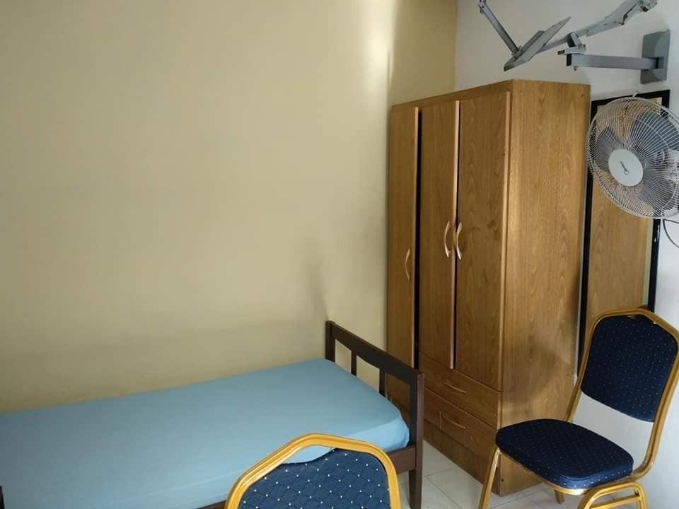 hotel hostal tu habitación individual wifi frigo