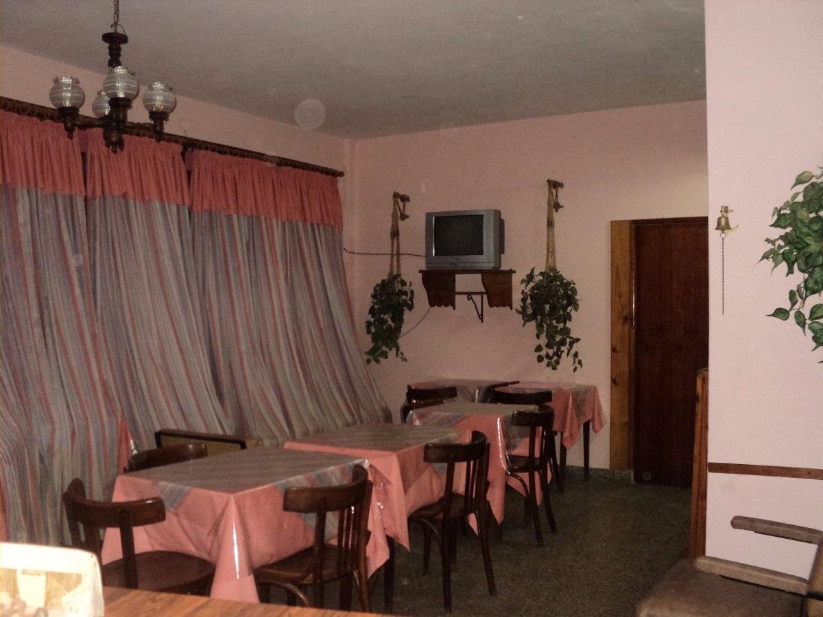 hotel + local a la calle + departamento 3 ambientes