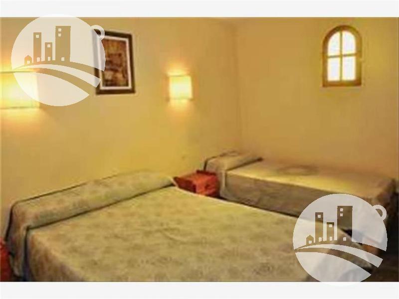 hotel19 hab. mas 4 dtos. 2*