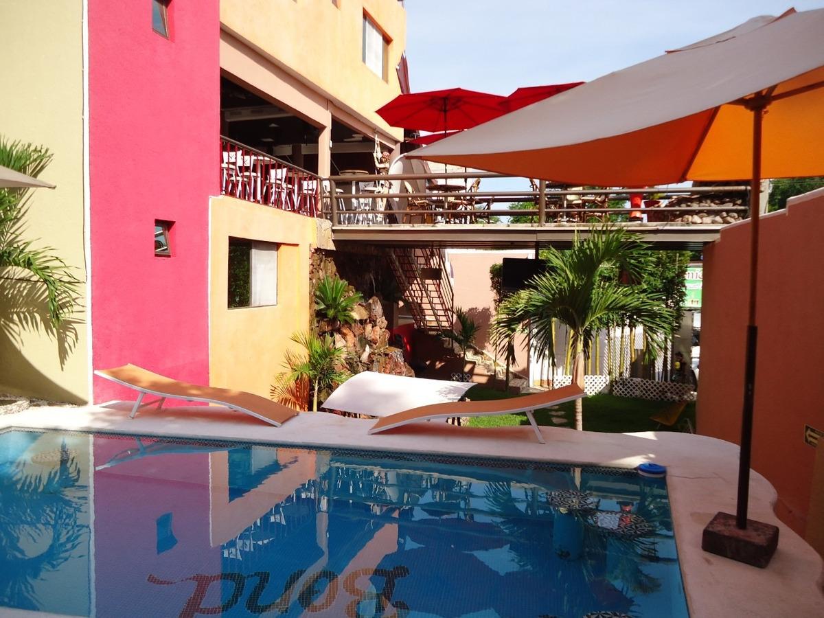 hotel,80 personas,bar, penthouse, en función