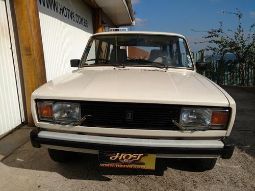hotv8 vende lada laika sedan e lada laika sw de coleção