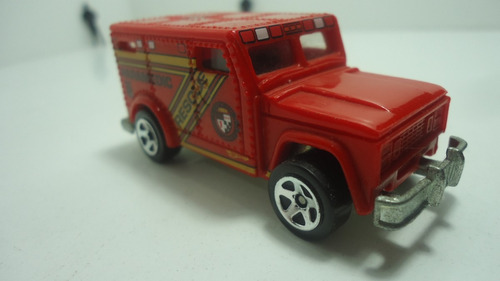 hotwheels armored truck -ambulancia     ganalo...!!