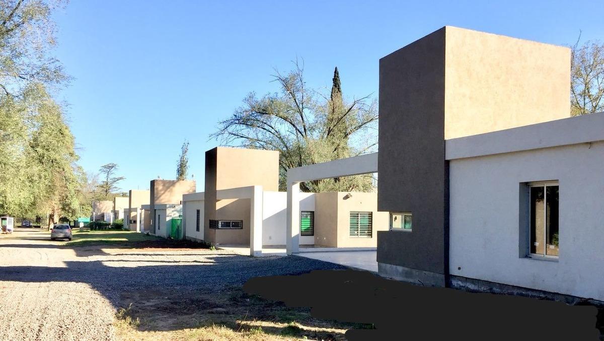 housing alto de rivera - tres dormitorios - dos baños - patio c/ galería asador - villa rivera indar