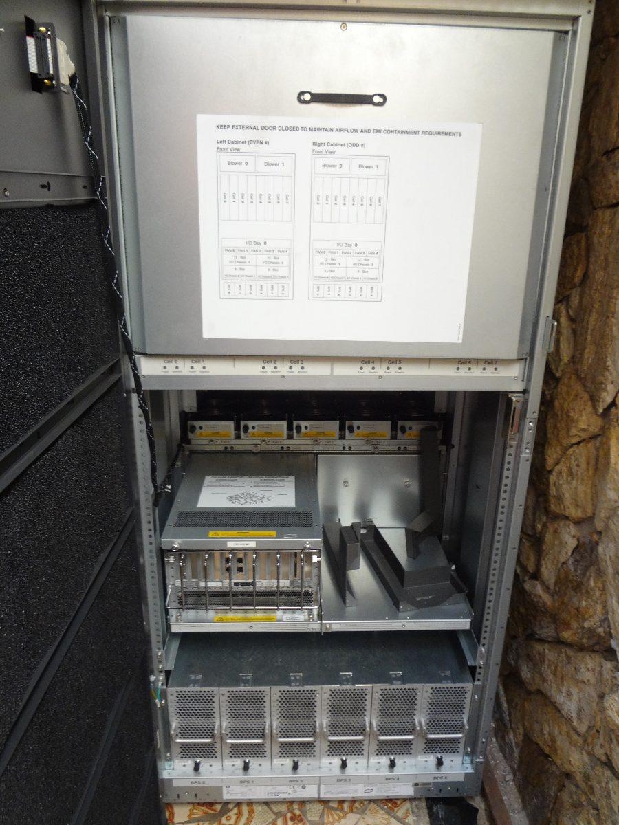 Hp Integrity Superdome Sx2000 - 24x Itanium2 - 196gb Ram ...