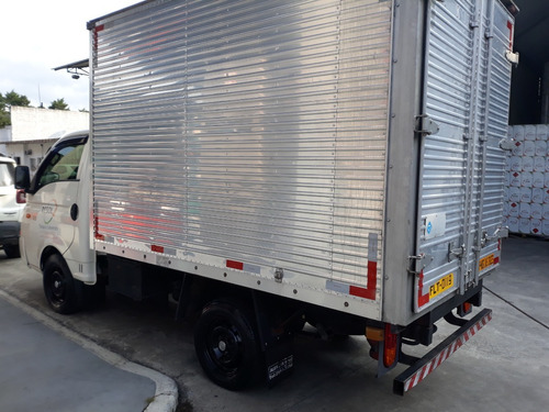 hr baú 2.5 tci diesel 2014