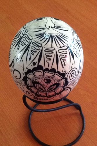 huevos de avestruz pintados a mano