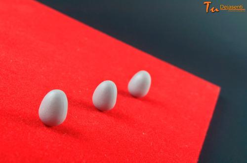 huevos de plástico para cría de canarios