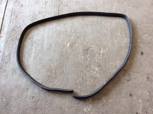 hule de carrocería trasero izquierdo infiniti i30 mod 96-99