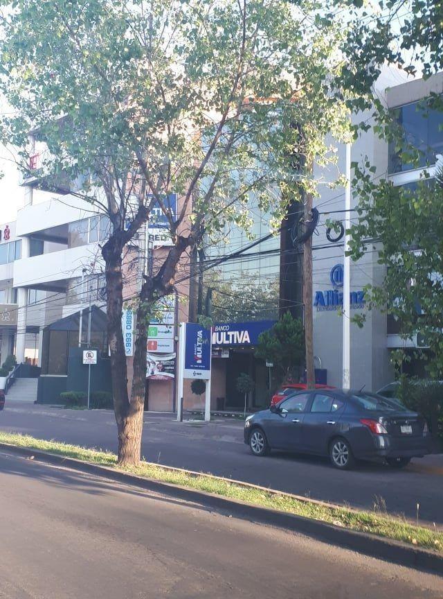 hurban renta oficina en edificio sobre 2o anillo norte.