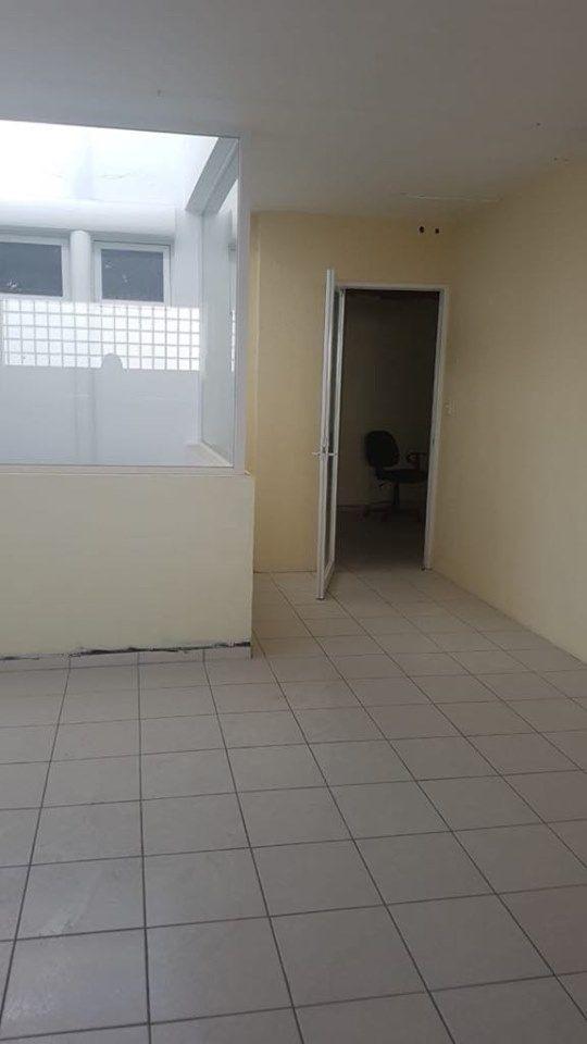 hurban renta oficina en sierra de laurel en segundo piso.
