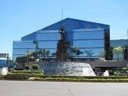hurban renta oficinas en plaza kristal.