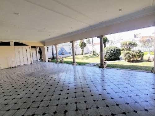 hurban vende exclusiva residencia en jardines al sur.