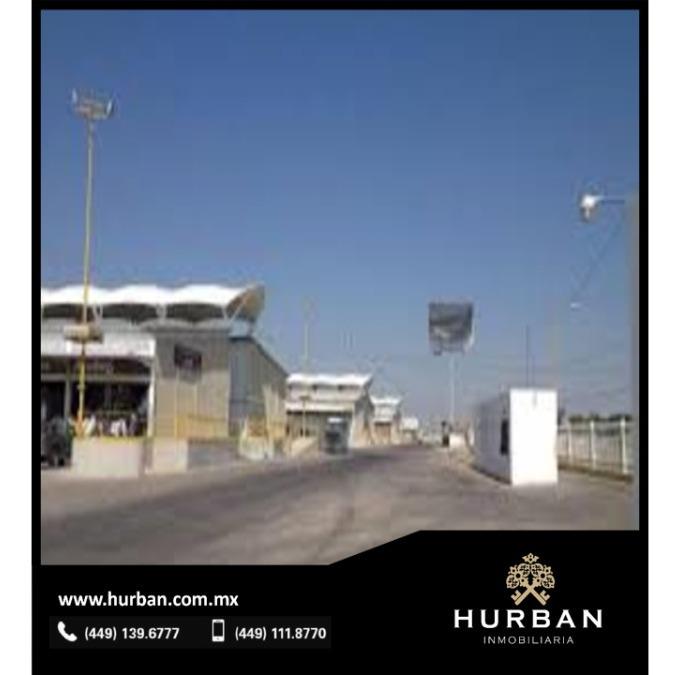 hurban vende local comercial en viñedos san marcos.