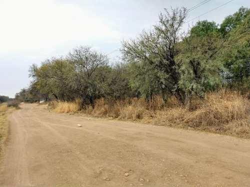 hurban vende terreno al norte en breña.