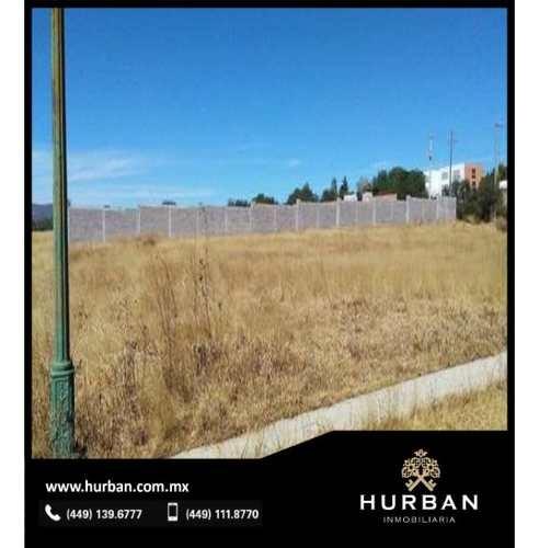 hurban vende terreno en punta paraíso.