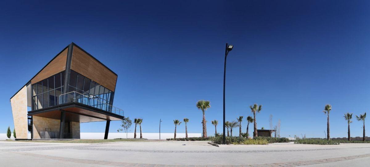 hurban vende terreno habitacional en coto al norte de de la  la ciudad.