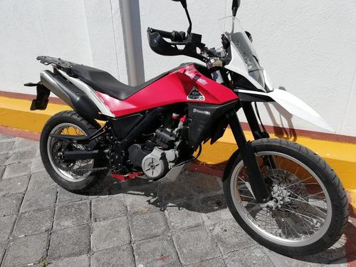 husqvarna 650, 2013, moto doble propósito.