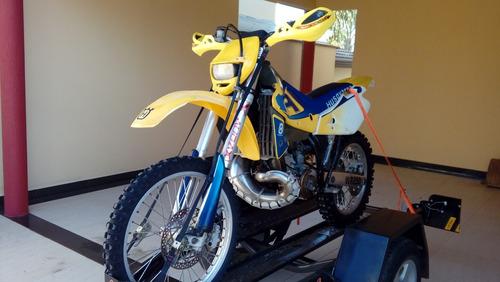 husqvarna wr250 c carretinha de trasnporte + moto xtz125