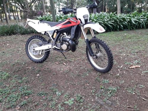 husqvarna wr250  modelo 2 tempos   ano 2001