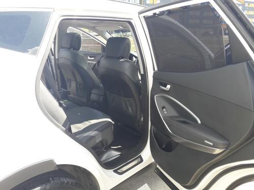hyundai 2.4 4x4 full 7 asientos caja automatica. modelo 2017