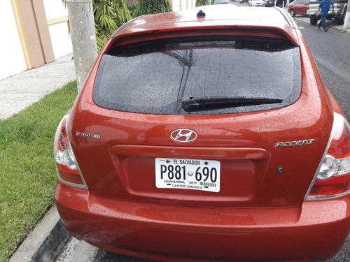 hyundai accent 2011 2 puertas anaranjado