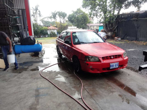 hyundai accent 4p motor 1300cc rojo a/c d/h v/e ganga 995mil