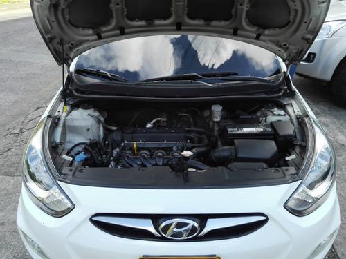 hyundai accent i25 1.6 mec. modelo 2012 (506)