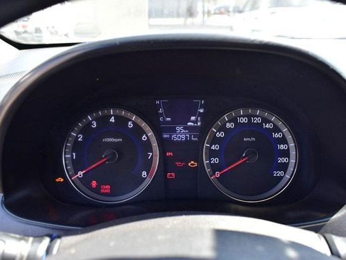 hyundai accent  rb 1.4 gl 2012
