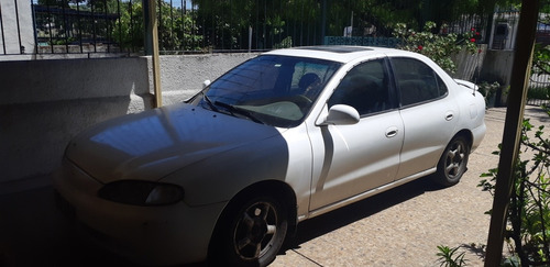 hyundai elantra 1.8 gls at 1998