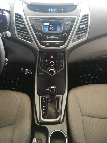 hyundai elantra 2.0 gls at 2016