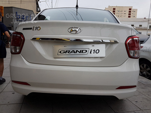 hyundai grand i10 1.2 gls mt full seguridad 4p umamotor 8
