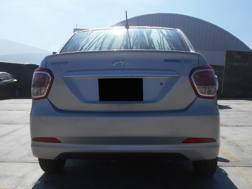 hyundai grand i10 1.3 gl mt 2017 plata