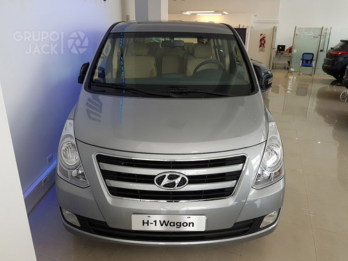 hyundai h1 wagon 12p 5at full premium 2.5 crdi umamotors 10