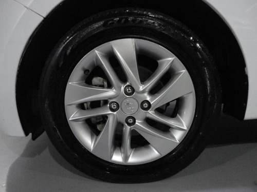 hyundai hb20 hatch premium 1.6 automático 2014
