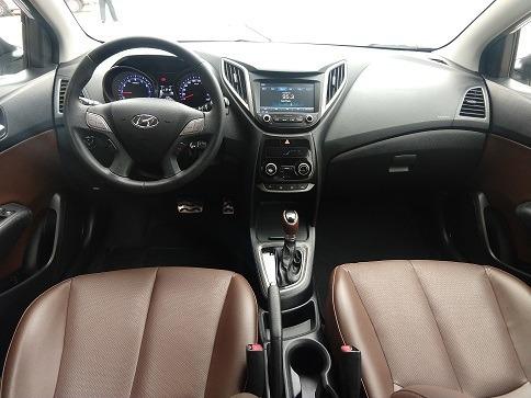 hyundai hb20x 1.6 2016 vilage automoveis