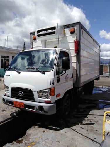 hyundai hd78 año 2016 con furgón térmico y equipo de frió.
